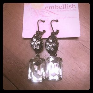 🆕NWT Embellish drop clear stone & antique earring